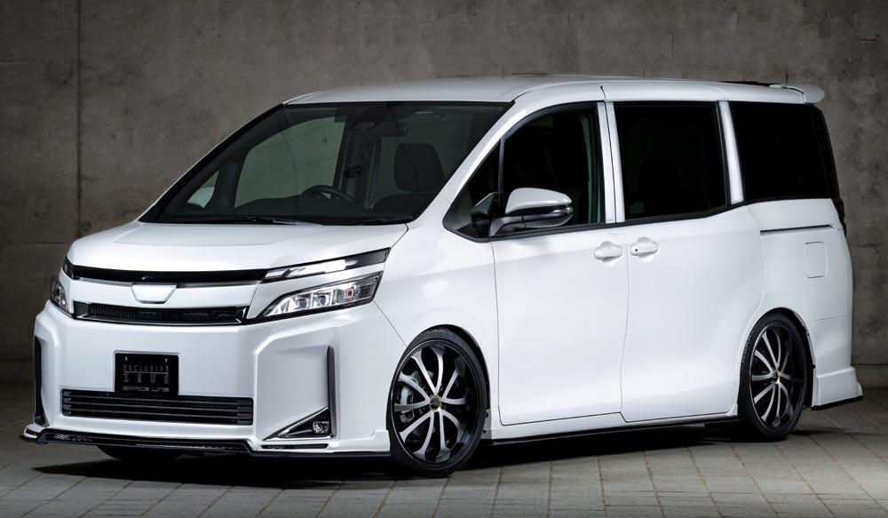 TOYOTA VOXY X MC後 GRACE LINEゼウス エアロドレスアップ新車 Front
