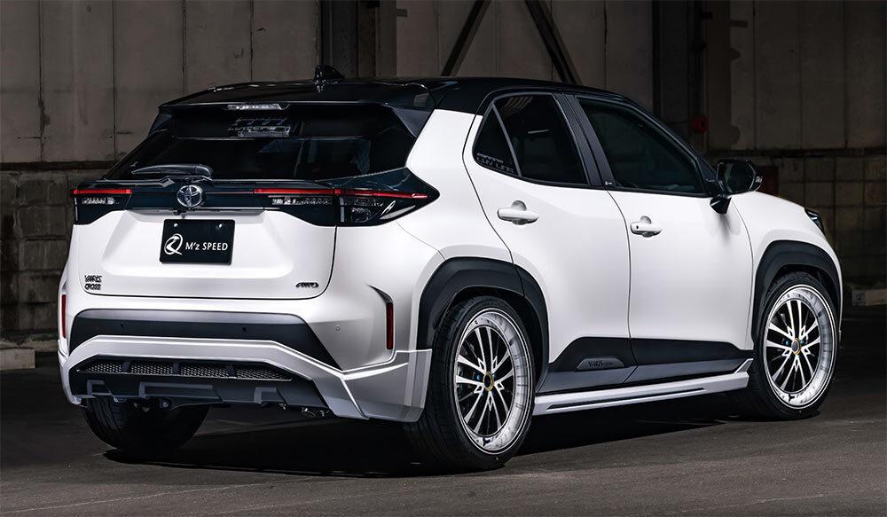 TOYOTA YARIS CROSS LUV LINEゼウス 新車カスタムコンプリートカー Rear