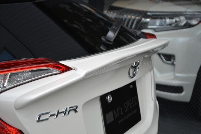 トヨタ:C-HR